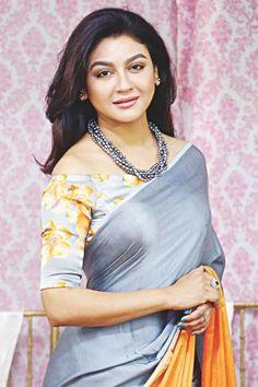 Jaya Ahsan talks about 'Phurut' South Indian Actress, Beautiful Indian Actress, Beautiful Saree, Saree Hairstyles, Sexy Blouse, Saree Blouse, Desi Models, Popular Actresses, Indian Girls