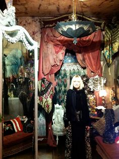 Virginia in her Holland Park vintage clothing store♥.•:*´¨`*:•♥London.