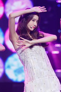 Yoona - Girls' Generation - Lion Heart
