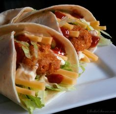 Domowe Snack Wrap jak z McDonald's Wrap Recipes, Yummy Food, Delicious Meals, Mac, Food And Drink, Pizza, Snacks, Dinner, Ethnic Recipes