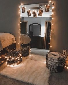 Unique Small Apartment Decorating Ideas On A Budget - Décoration Intérieure String Lights In The Bedroom, Bedroom Decor Lights, Room Decor With Lights, Bedroom Lighting, Cool Lights For Bedroom, Decorative Lights In Bedroom, Bedroom With Fairy Lights, Teen Bedroom Lights, Twinkle Lights Bedroom