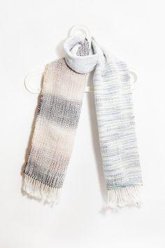 剛剛逛 Pinkoi,看到這個推薦給你:手織手感美麗諾圍巾-漸層天空 - https://www.pinkoi.com/product/1_DcU2MK