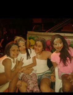 Con mis amigas de fiesta