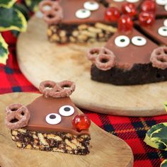 These super cute slices are not only delicious but super easy to make, with no baking needed. Why not leave one of these for Santa to eat of Christmas eve? These can either be made in one tin, to make 6 very generous portions or alternatively divide the mixture between 2 tins for a shallower slice.