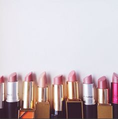 Would be fun to recreate this pic; hang photo in the powder room. nude lipstick love.