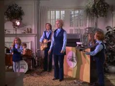 🎼the partridge family mom drops out Family Songs, Family Video, Family Tv, Family Show, Family First, Family Album, Partridge Family Cast, Jeremy Gelbwaks, Susan Dey