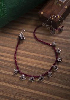 Gold Jewelry A casual ruby beaded necklace with tiny jhumkhas. Silver Jewellery Indian, Tribal Jewelry, Jewelery, Silver Jewelry, Silver Earrings, Diy Indian Jewelry, Silver Ring, 925 Silver, Oxidized Silver