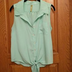 Sea foam button up tank Cute sea form button up tank, great for spring! Francesca's Collections Tops Blouses