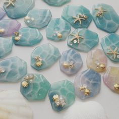 This may be done on top of shrink plastic ( recycleable) base? Epoxy Resin Art, Ice Resin, Plastic Resin, Wood Resin, Shrink Plastic, Clay Beads, Polymer Clay Jewelry, Resin Jewelry, Nail Polish Crafts