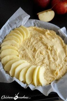 Mi gteau mi tarte fondant aux pommes gala mini lemon chess pies tiny little bites of heaven these little lemon pies are easy to make and will have your family raving about your baking skills! Apple Recipes, Sweet Recipes, Cake Recipes, Snack Recipes, Dessert Recipes, Cooking Recipes, Food Cakes, Thermomix Desserts, Fondant Cakes