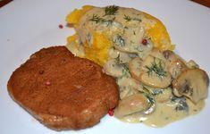 """Cotlet de porc făcut în bere brună, mămăligă, sos de ciuperci cu """"blue cheese"""""""