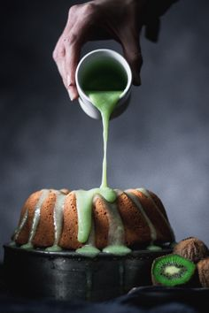 Make this tahini bundt cake to wow everyone with a new exciting flavor! Plus a sweet kiwi glaze on top. What can be better? Cakepops, Cupcakes, Cupcake Cakes, Best Dessert Recipes, Just Desserts, Kiwi Fruit Recipes, Traybake Cake, Tahini, Bundt Cake Pan