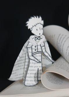"""Livre d'art """"Le Petit Prince"""", livre détourné, sculpture en papier : Accessoires de maison par mariellejl"""