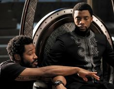Marvel is going back to Wakanda and T'Challa won't be the only leader taking the trip. The Hollywood Reporter says, and Gizmodo has also confirmed, that Ryan Coogler has closed a deal to both write and direct Black Panther Black Panther Marvel, Black Panther 2018, Black Panthers, Scarlett Johansson, Studios, Film Black, Movie Black, Captain America, Wakanda Marvel