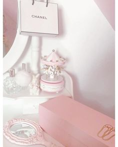 ♡ Princess Chanel ♡ Chin up, Princess♡ Pink Love, Pretty In Pink, Pink Stuff, Girly Girls, Just Girly Things, Girly Pictures, Everything Pink, Pink Princess, Powder Pink