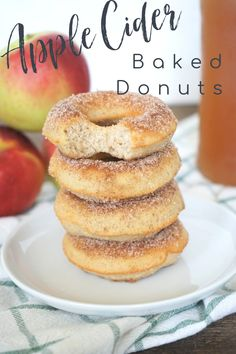 Apple Cider Baked Donuts – Skip going to the cider mill and make delicious apple cider donuts right at home! Fresh apple cider infused in an easy to make donut batter that takes less than 20 minutes to make! They are the perfect fall treat! Apple Donuts | Apple Recipes | Apple Desserts Cheesecake Desserts, Apple Desserts, Homemade Desserts, Apple Recipes, Easy Desserts, Fall Recipes, Baking Recipes, Strawberry Desserts, Bread Recipes
