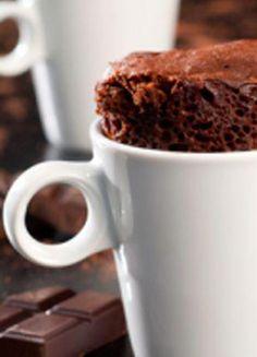 mug cake au chocolat Microwave Chocolate Mug Cake, Chocolate Frosting Recipes, Mug Cake Microwave, Nutella Cake, Chocolate Mug Cakes, Brownie Cake, Gluten Free Mug Cake, Vegan Mug Cakes, Mug Cake Healthy