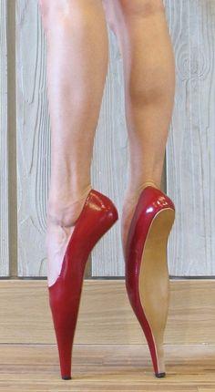 "felzebu: "" Tube shoe by René van den Berg"" Source by magicbhl shoes Ballet Boots, Ballet Heels, Shoe Boots, Shoes Heels, Funny Shoes, Weird Shoes, Crazy Heels, Mode Shoes, Pumps"