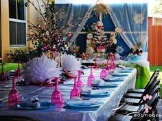 Winter Wonderland Party Table Settings #christmas #winter