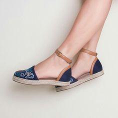 Espadrile é uma ótima pedida  #ValentinaFlats #shoes #fashion #loveit #loveshoes #shoeslover #sandalia #espadrile #bordado #blue #color #summer