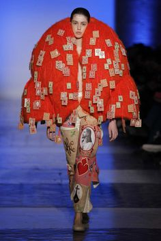 Leandro Cano, Herbst/Winter 2018, Madrid, Womenswear Bad Fashion, Fashion Fail, Weird Fashion, Knit Fashion, China Fashion, Unique Fashion, Fashion Models, Runway Fashion, Fashion Design