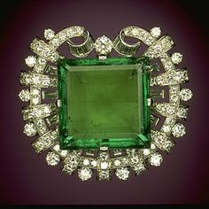 Hooker Emerald Brooch at the Smithsonian Museum.