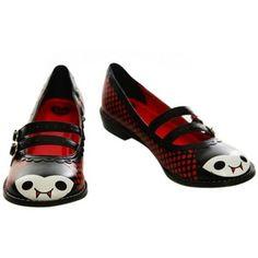 Vampire flat shoes