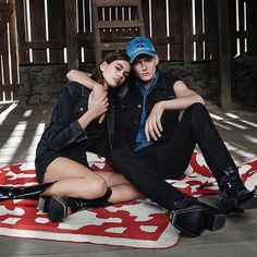 #kaiagerber y #presleygerber protagonizan una de las primeras y más espectaculares campañas del 2018. Toda la info en http://ift.tt/2EZvkIL #ThinkingFashion # via HARPER'S BAZAAR MEXICO MAGAZINE official Instagram - #Beauty and #Fashion Inspiration - Beautiful #Dresses and #Shoes - Celebrities and Pop Culture - Latest Sales and Style News - Designer Handbags and Accessories - International Advertising Campaigns - Gifts and Bargain #Shopping Guide - Famous Luxury Brands on Instagram…