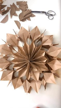 Christmas Projects, Holiday Crafts, Home Crafts, Crafts For Kids, Arts And Crafts, Paper Bag Crafts, Diy Paper Bag, Paper Crafts Origami, Paper Crafting