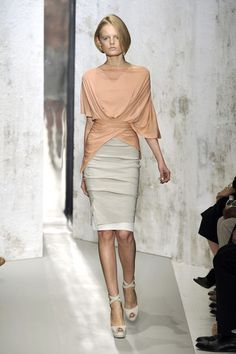 Donna Karan at New York Fashion Week Spring 2010 - Runway Photos