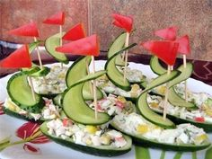 Viking party/baby shower food idea: cucumber (or pickle) ship hors d'oeuvres! Food Design, Design Ideas, Cute Food, Good Food, Viking Party, Food Carving, Food Garnishes, Garnishing, Food Decoration