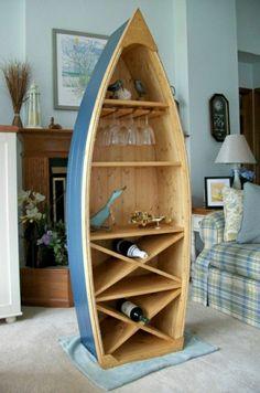 meuble marine en bois, idée insolite, aménagement marin, mur bleu-ciel
