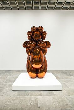 Jeff Koons - A Retrospective Whitney Museum of American Art New York Jeff Koons Art, Sculpture Art, Metal Sculptures, Damien Hirst, Whitney Museum, Art And Architecture, Graphic, Three Dimensional, American Art