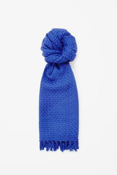 Woven wool scarf