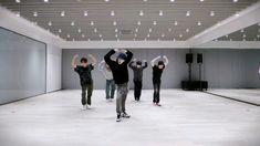 Dance Music Videos, Dance Choreography Videos, K-pop Music, Nct 127, Mv Video, Bts Dance Practice, Cool Dance Moves, Dance Kpop, Nct Taeyong