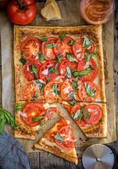 Easy Tomato Galette (made with puff pastry) - Vindulge - Easy tomato galette recipe made on the grill with puff pastry dough. This easy savory summer dish i - Tomato Tart Puff Pastry, Puff Pastry Recipes Savory, Puff Pastry Pizza, Puff Pastry Appetizers, Puff Pastry Dough, Homemade Pastries, Appetizer Recipes, Recipes Dinner, Dinner Ideas