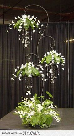 White Dendrobium orchid sprays with crystals on Stylowi.pl