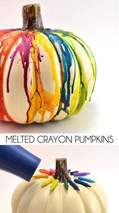 Halloween Decoration: DIY Fall Melted Crayon Pumpkin: use orange or black crayons to add color to white pumpkins. Or use both orange and black crayons to decorate a white pumpkin. Try just black crayons on orange pumpkins. Fall Pumpkin Crafts, Fall Pumpkins, Halloween Pumpkins, Gold Pumpkin, Pumpkin Ideas, Diy Pumpkin, Holiday Crafts, Spring Crafts, Pumpkin Designs