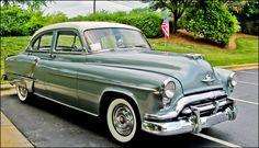 1952 Oldsmobile Super 88 4-Door Sedan