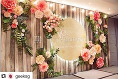 Love This Inspired Paper Flower Backdrop Flower Backdrop 20 Ideas To Make Floral Backdrop Pretty Designs 70 Budget Friendly Diy Photo Booth Backdrop Ideas And Tutorials Easy Paper Flower Backdrop Assembly Paper Flowers Paper Flowers… Wall Backdrops, Backdrop Decorations, Photo Booth Backdrop, Wedding Decorations, Backdrop Ideas, Photo Backdrops, Wedding Stage, Diy Wedding, Wedding Rustic