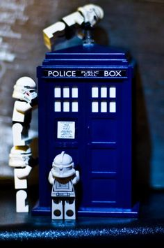 Oh no!! The Stormtroopers have the Phone Box!! I think I'd be less scared of this scenario...