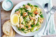 Lemony salmon pasta with spring vegetables and ricotta « European Recipes « All Tasty Recipes Creamy Salmon Pasta, Salmon Pasta Recipes, Smoked Salmon Pasta, Fresh Pasta, Work Meals, Easy Meals, Egg Recipes, Dinner Recipes, Dinner Ideas