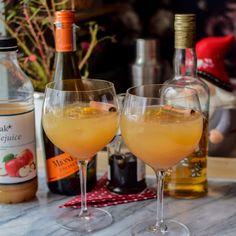 Glad Jul | Oppskrifter | Gladkokken White Wine, Alcoholic Drinks, Tableware, Food, Recipes, Dinnerware, Alcoholic Beverages, Tablewares, Eten