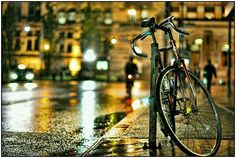 there's something so captivating with wet city streets <3