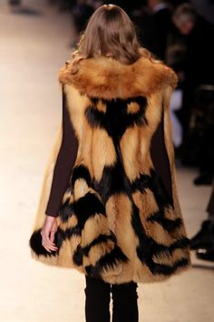 (think about piecing faux fur in symmetrical shapes. Fur Coat Fashion, Fabulous Fox, Fur Gilet, Cool Coats, White Fur, Unique Outfits, Couture, Winter, Outfit Of The Day