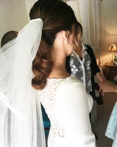 Bridal ponytail with veil