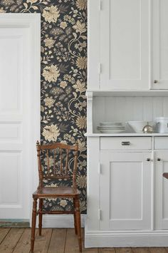 Interior Wallpaper, Kitchen Wallpaper, Home Wallpaper, Morris, Swedish House, Interior Decorating, Interior Design, Home Comforts, Cottage Design