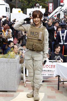 画像3 実写版パトレイバー、実物大98式イングラム登場で吉祥寺駅前が騒然! 特車二課は本物の警察と共演 - アキバ総研