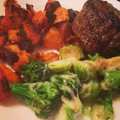 #FridayFeast Grass-fed Sirloin, Roasted Sweet Potatoes, Parmesan Brussels & Broccoli! Yummo! It's been a good week. Have a great weekend everyone! #foodie #foodpic #foodporn #eeeats #eatwell #eathealthy #cleaneating #realfood #glutenfree #instafood #goodeats #feedfeed #f52grams #truecooksfoodporn #foodgawker #Austin360Cooks