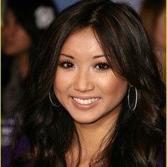 Brenda Song played Lynda An in 1 episode of ER 2001 [ picture her about 9 or 10 yrs old] Brenda Song, Bridal Makeup, Wedding Makeup, Zack E Cody, Disney Actresses, Suite Life, Brown Highlights, Cute Stars, Beautiful Asian Women